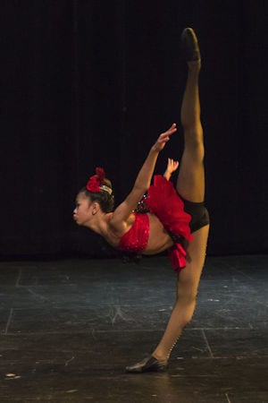 dancerinred300v